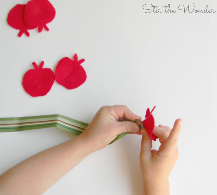 Button Worm & Apples Fine Motor Activity