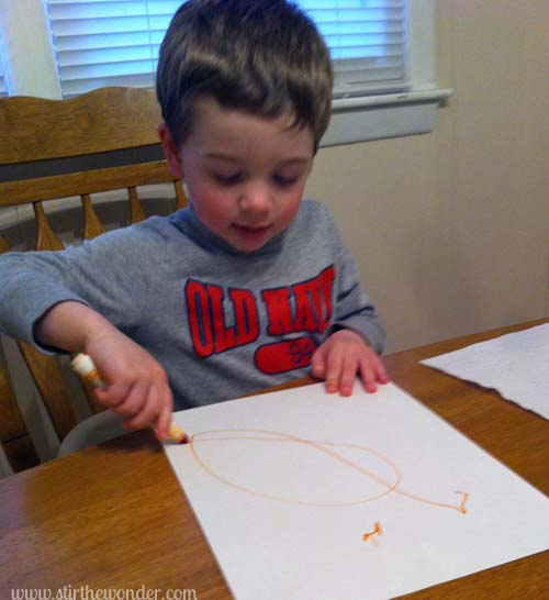 Drawing Carrots | Stir the Wonder #bfiar #handsonplay #preschoolart