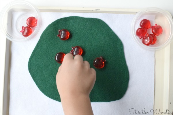 Picking Apples off the tree preschool math game