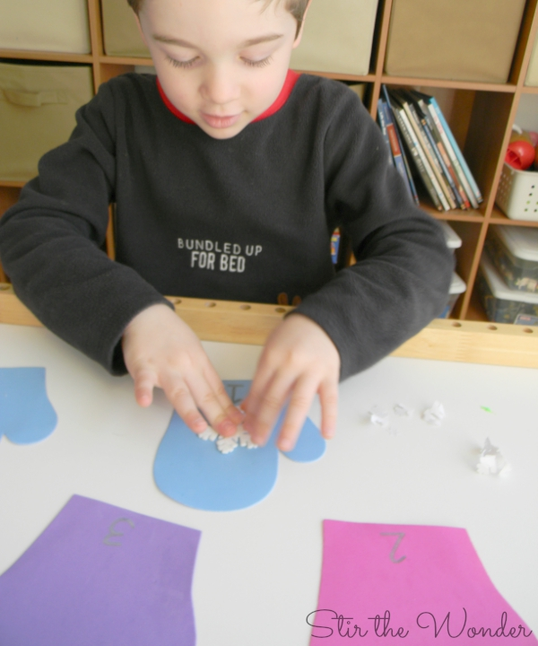 Mitten Math Counting Snowflakes Preschool Activity
